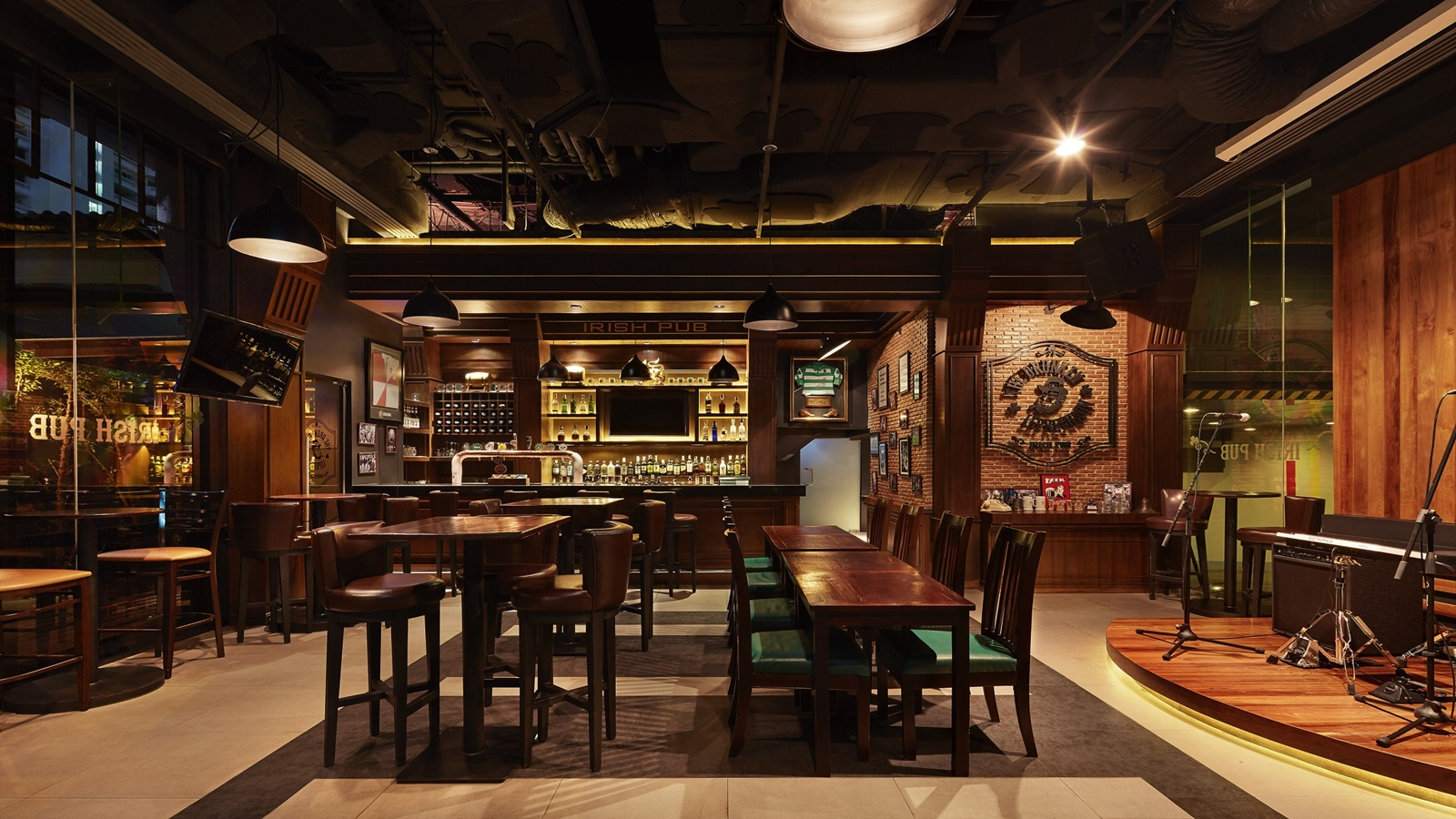 Four Points by Sheraton Bangkok, Sukhumvit 15 - The Drunken Leprechaun